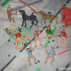 Figuras de Goma y PVC: FIGURAS JINETES DE PLASTICO DEL OESTE COMANSI JECSAN REAMSA PECH AÑOS 60 / 70. Lote 183532498
