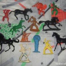 Figuras de Goma y PVC: FIGURAS JINETES Y CABALLOS DE PLASTICO INDIOS COMANSI JECSAN REAMSA PECH AÑOS 60 / 70. Lote 183532535