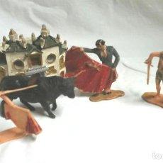 Figuras de Goma y PVC: PLAZA MAESTRANZA SEVILLA Y 4 FIGURAS TOREROS AÑOS 60. ARTE DEL TOREO, PASE NATURAL, VERÓNICA, SUERTE. Lote 183833311