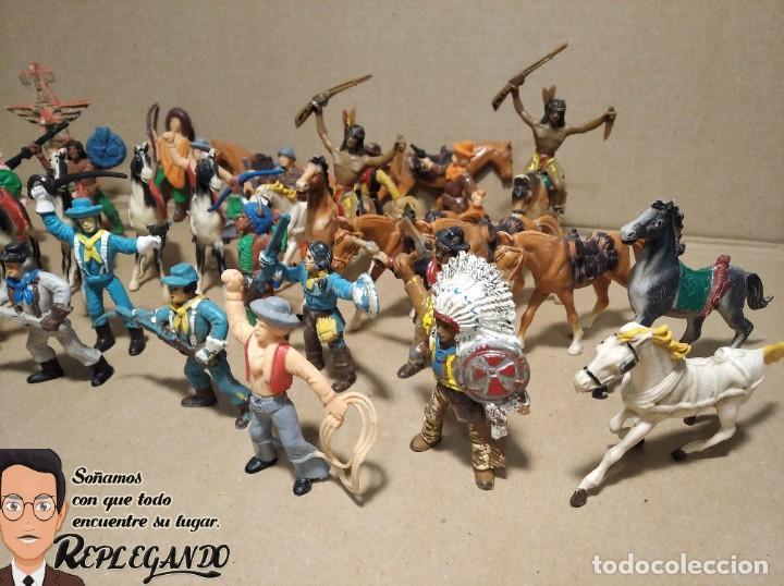 Figuras de Goma y PVC: LOTE 37 FIGURAS COMANSI (INDIOS, VAQUEROS, SOLDADOS Y CABALLOS) - Foto 3 - 183588582
