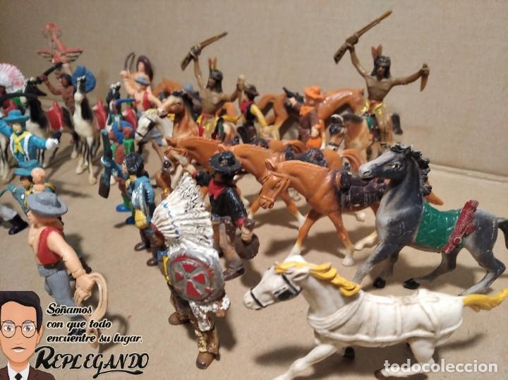 Figuras de Goma y PVC: LOTE 37 FIGURAS COMANSI (INDIOS, VAQUEROS, SOLDADOS Y CABALLOS) - Foto 8 - 183588582