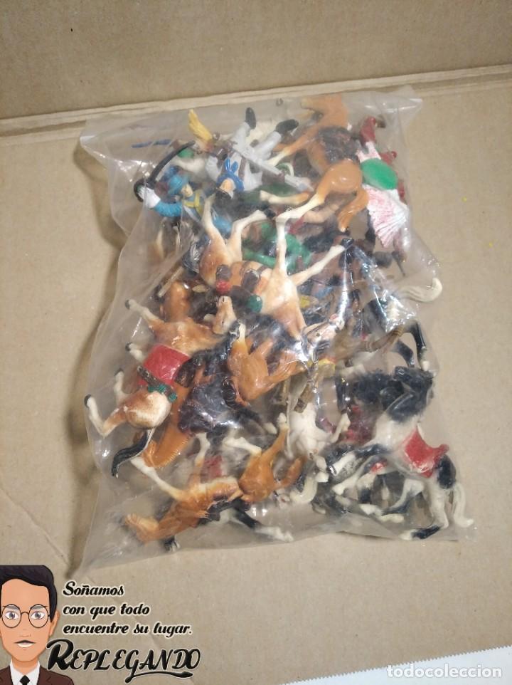 Figuras de Goma y PVC: LOTE 37 FIGURAS COMANSI (INDIOS, VAQUEROS, SOLDADOS Y CABALLOS) - Foto 15 - 183588582