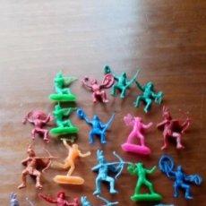 Figuras de Goma y PVC: LOTE INDIOS Y VAQUEROS MUÑECO MUÑECOS. Lote 184189036
