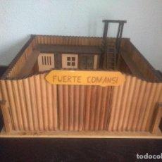 Figure di Gomma e PVC: FUERTE COMANSI EN MADERA OESTE INDIOS VAQUEROS. Lote 184410866