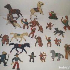 Figuras de Goma y PVC: FIGURAS INDIOS Y VAQUEROS ANTIGUOS PINTADOS A MANO. Lote 184777877