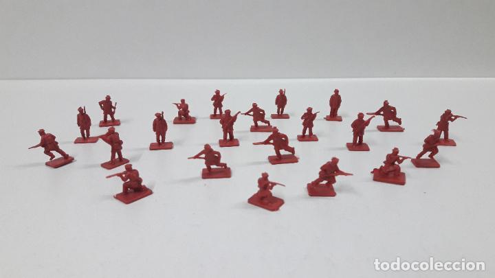 LOTE DE SOLDADITOS MONTAPLEX - RUSIA DEL ZAR . AÑOS 70 / 80 (Juguetes - Figuras de Goma y Pvc - Montaplex)