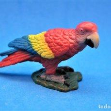 Figuras de Goma y PVC: FIGURA DE LORO. PARROT RED. DESCATALOGADO. SCHLEICH. AÑO 2000. GOMA.. Lote 186093973