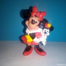 Figuras de Goma y PVC: FIGURA PVC MINNIE CON MUÑECA APLLAUSE. Lote 186126700