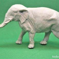 Figuras de Goma y PVC: ANTIGUA FIGURA DE ELEFANTE PLÁSTICO . YOLANDA .AÑOS 80. Lote 186163623