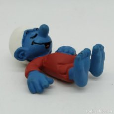 Figuras de Goma y PVC: PITUFO DORMILÓN ORIGINAL SCHLEICH DE LOS AÑO 1982. Lote 186180618