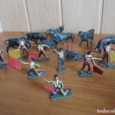 Figuras de Goma y PVC: BUEN LOTE FIGURAS STARLUX: 8 TOROS Y 8 TOREROS ( PECH , JECSAN , REAMSA , TEIXIDO , COMANSI , ETC). Lote 187107985
