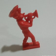 Figuras de Goma y PVC: CEREALES MUÑECO KELLOGGS PROMOCIONAL KELLOGS RICE PVC DUNKIN FIGURA BANDA MUSICA TROMPETA ROJO. Lote 187183743