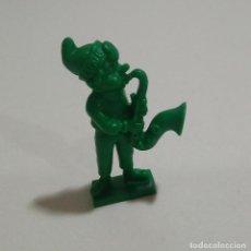Figuras de Goma y PVC: CEREALES MUÑECO KELLOGGS PROMOCIONAL KELLOGS RICE PVC DUNKIN FIGURA BANDA MUSICA SAXOFON SAXO VERDE. Lote 187183945