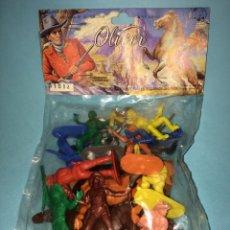 Figuras de Goma y PVC: OLIVER - BOLSA VAQUEROS DE MOLDES PECH - FINALES DE LOS 70 - FIGURAS MONOCROMAS PARA PINTAR. Lote 187208703