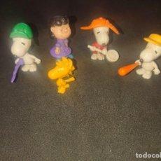Figuras Kinder: LOTE DE 4 FIGURAS SNOOPY DE HUEVOS KINDER , LEER DESCRIPCION. Lote 188523595