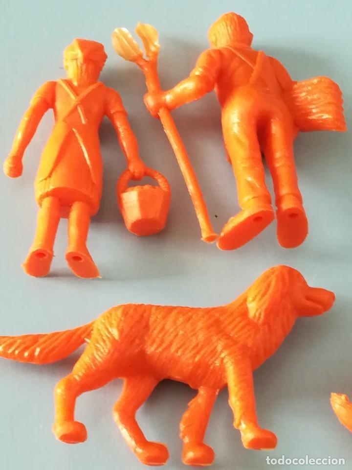 Figuras de Goma y PVC: LOTE FIGURAS DE PLÁSTICO GRANJA DUNKIN - Foto 4 - 188801218