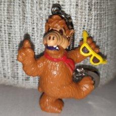 Figuras de Goma y PVC: BONITA FIGURA PVC GOMA LLAVERO ALF CON GAFAS DE SOL MARCA BULLY BULLYLAND. Lote 197655267