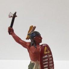 Figuras de Goma y PVC: GUERRERO INDIO . REALIZADO POR PECH . AÑOS 50 EN GOMA. Lote 189994156