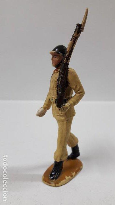 Figuras de Goma y PVC: SOLDADO DE INFANTERIA - DESFILE . REALIZADO POR TEIXIDO . AÑOS 50 EN GOMA - Foto 2 - 190231021