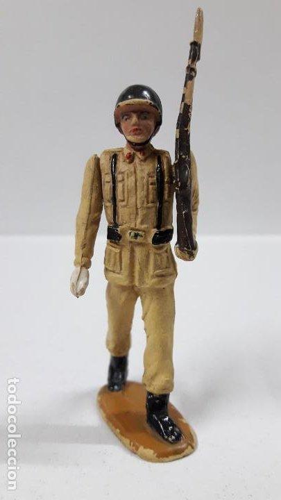 Figuras de Goma y PVC: SOLDADO DE INFANTERIA - DESFILE . REALIZADO POR TEIXIDO . AÑOS 50 EN GOMA - Foto 3 - 190231021