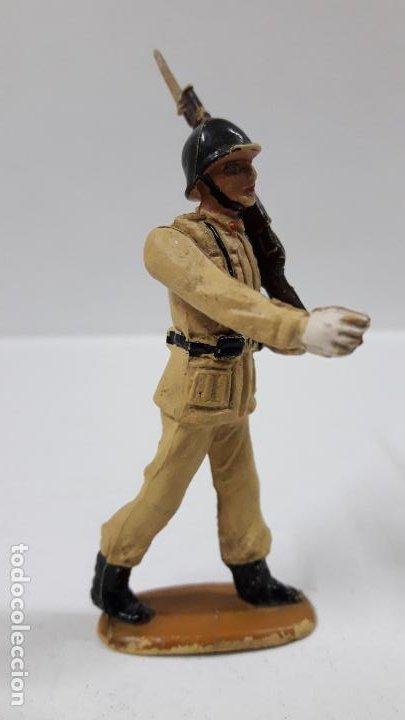 Figuras de Goma y PVC: SOLDADO DE INFANTERIA - DESFILE . REALIZADO POR TEIXIDO . AÑOS 50 EN GOMA - Foto 5 - 190231021