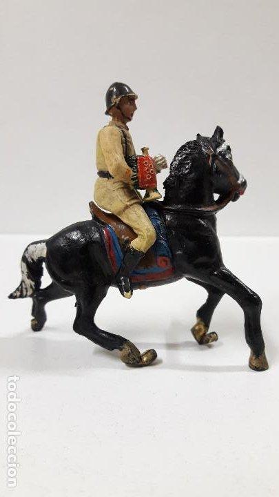 Figuras de Goma y PVC: SOLDADO ESPAÑOL CON TROMPETA A CABALLO - DESFILE . REALIZADO POR TEIXIDO . AÑOS 50 EN GOMA - Foto 5 - 190231341