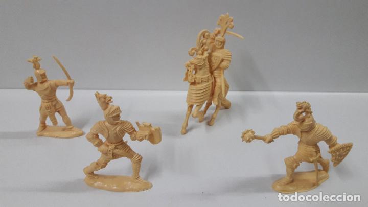 Figuras de Goma y PVC: GUERREROS MEDIEVALES . REALIZADOS POR LAFREDO . SERIE GRANDE . AÑOS 60 . EN PLASTICO MONOCOLOR - Foto 2 - 190406322