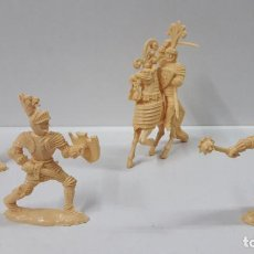 Figuras de Goma y PVC: GUERREROS MEDIEVALES . REALIZADOS POR LAFREDO . SERIE GRANDE . AÑOS 60 . EN PLASTICO MONOCOLOR. Lote 190406322