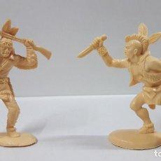 Figuras de Goma y PVC: DOS GUERREROS INDIOS . REALIZADOS POR LAFREDO . SERIE GRANDE . AÑOS 60 . EN PLASTICO MONOCOLOR. Lote 190406630
