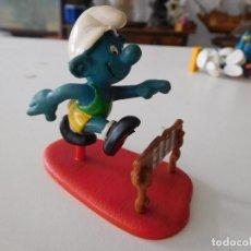 Figuras de Goma y PVC: PITUFO ATLETA GERMANY AÑO 1980 . Lote 190539178