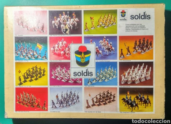 Figuras de Goma y PVC: 13 Soldados en caja. Soldis de Gomarsa. Años 70. - Foto 2 - 190878248