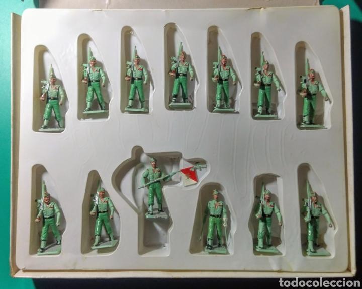 Figuras de Goma y PVC: 13 Soldados en caja. Soldis de Gomarsa. Años 70. - Foto 2 - 191007381