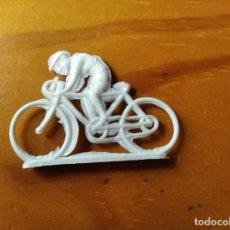 Figuras de Goma y PVC: CICLISTA ANTIGUA FIGURA PVC -. Lote 191072093