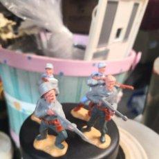 Figuras de Goma y PVC: 4 SOLDADOS MILITARES PLÁSTICO TIMPO TOYS . Lote 191153525