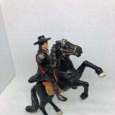 Figuras de Goma y PVC: EL ZORRO Y SU CABALLO. Lote 191188053