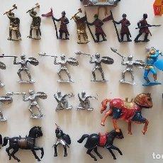 Figuras de Goma y PVC: FIGURAS DE PLASTICO DE CABALLEROS MEDIEVALES. Lote 191263895