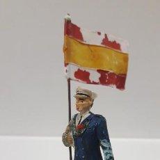 Figuras de Goma y PVC: SOLDADO ABANDERADO DE MARINA . REALIZADO POR PECH . AÑOS 50 EN GOMA. Lote 191449156