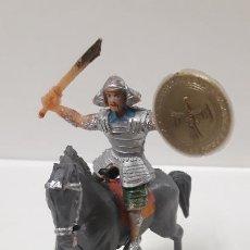 Figuras de Goma y PVC: SAMURAI A CABALLO - ESCUDO DESMONTABLE . REALIZADO ESTEREOPLAST . SERIE EL JABATO . ORIGINAL AÑOS 60. Lote 191568461