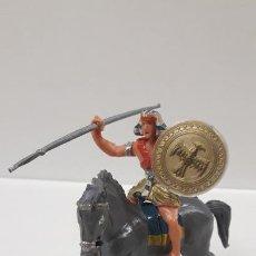Figuras de Goma y PVC: EGIPCIO A CABALLO - ESCUDO DESMONTABLE . REALIZADO ESTEREOPLAST . SERIE EL JABATO . ORIGINAL AÑOS 60. Lote 191568857