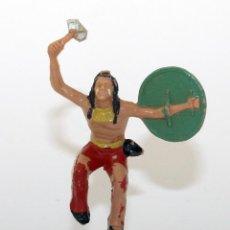 Figuras de Goma y PVC: REAMSA - INDIO COMANCHE CON ESCUDO Y HACHA - 60MM - PLASTICO - AÑOS 1953-1956. Lote 192354890