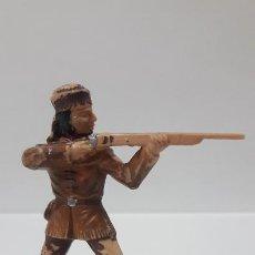 Figuras de Goma y PVC: TRAMPERO . FIGURA REAMSA . SERIE POLICIA MONTADA DEL CANADA . AÑOS 60. Lote 192620465