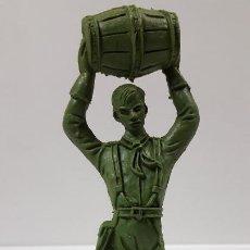 Figuras de Goma y PVC: SOLDADO FEDERAL CON BARRIL . REALIZADO POR COMANSI . SERIE GRANDE . AÑOS 60 EN PLASTICO MONOCOLOR. Lote 192815221
