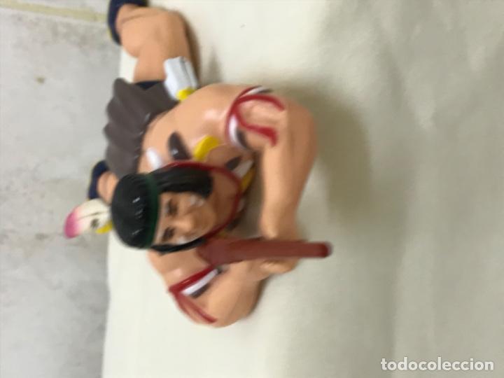 Figuras de Goma y PVC: Indio plastico rigido antiguo juguete de cuerda gira la cintura indio Oeste escopeta 18 cm - Foto 10 - 193081882