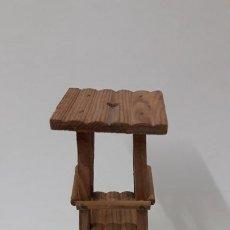 Figuras de Goma y PVC: TORRE DE VIGILANCIA PARA FUERTE . REALIZADA POR COMANSI . EN MADERA . AÑOS 60. Lote 193085545