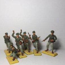 Figuras de Borracha e PVC: LOTE 6 FIGURAS SOLDADOS ALEMANES AFRICA 2ª GUERRA MUNDIAL BRITAINS 1971 12. Lote 193687173