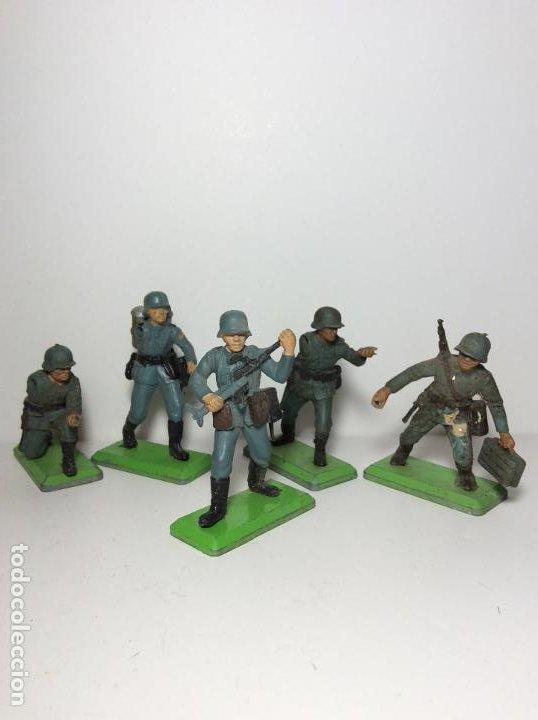 LOTE 5 FIGURAS SOLDADOS ALEMANES 2ª GUERRA MUNDIAL BRITAINS 1971 13 (Juguetes - Figuras de Goma y Pvc - Britains)