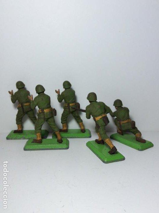 Figuras de Goma y PVC: LOTE 5 FIGURAS SOLDADOS AMERICANOS 2ª GUERRA MUNDIAL BRITAINS 1971 17 - Foto 2 - 193699128