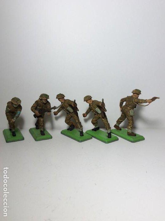 LOTE 5 FIGURAS SOLDADOS INGLESES 2ª GUERRA MUNDIAL BRITAINS 1971 19 (Juguetes - Figuras de Goma y Pvc - Britains)
