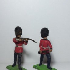 Figuras de Goma y PVC: LOTE 2 FIGURAS SOLDADOS GUARDIA INGLESA BRITAINS 1971 11. Lote 193701072
