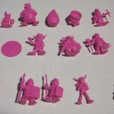 Figuras de Goma y PVC: LOTE 20 FIGURAS ASTERIX DUNKIN ORTIZ ? COLOR ROSA FOSFORITO- TAMBIEN SUELTAS. Lote 193880683